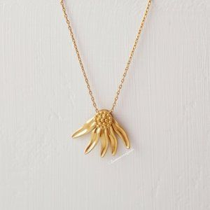 Madewell Fallen Petals Necklace in Vintage Gold